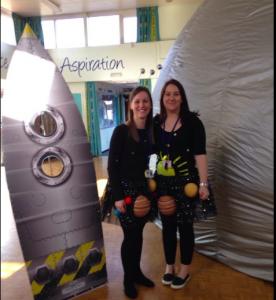 teach space in primary school mobile planetarium